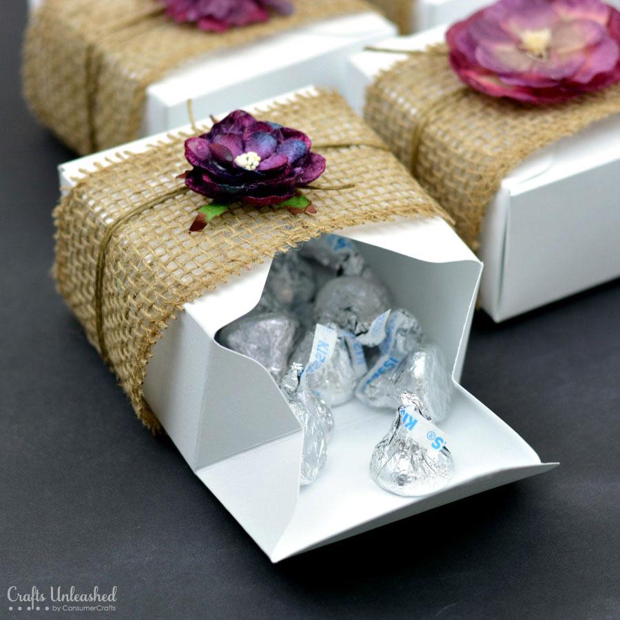 Burlap floral rustic diy gift boxes diy do it yourself rustic diy gift boxes 3g solutioingenieria Choice Image