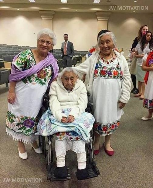 Mayan circuit assembly in the United States with 449 attending .This was the oldest sister in attendance. From left to right 71,103 and 93 years old. All Native Mayan speakers  ❤♥☼♥❤