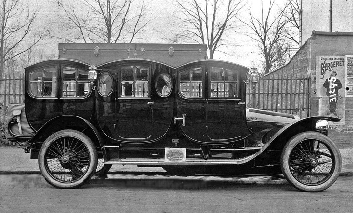 One of the original limousines in France, 1910.